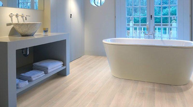 новый пол в ванной комнате